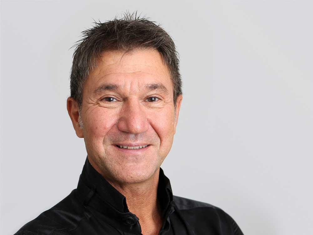 Dr. Burkhard Breuer